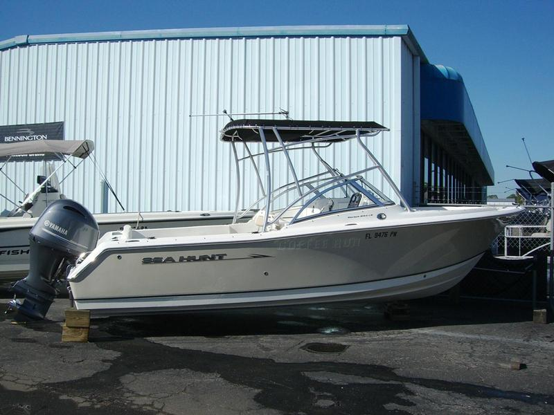 Sea Hunt 234 ESCAPE