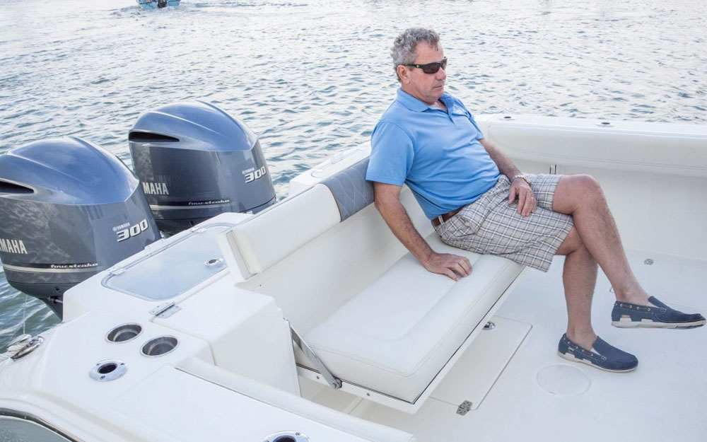 2019 Cobia 320 CC Aft Seating