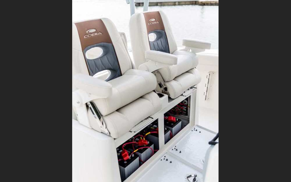 19 Cobia 320CC Cockpit Seating
