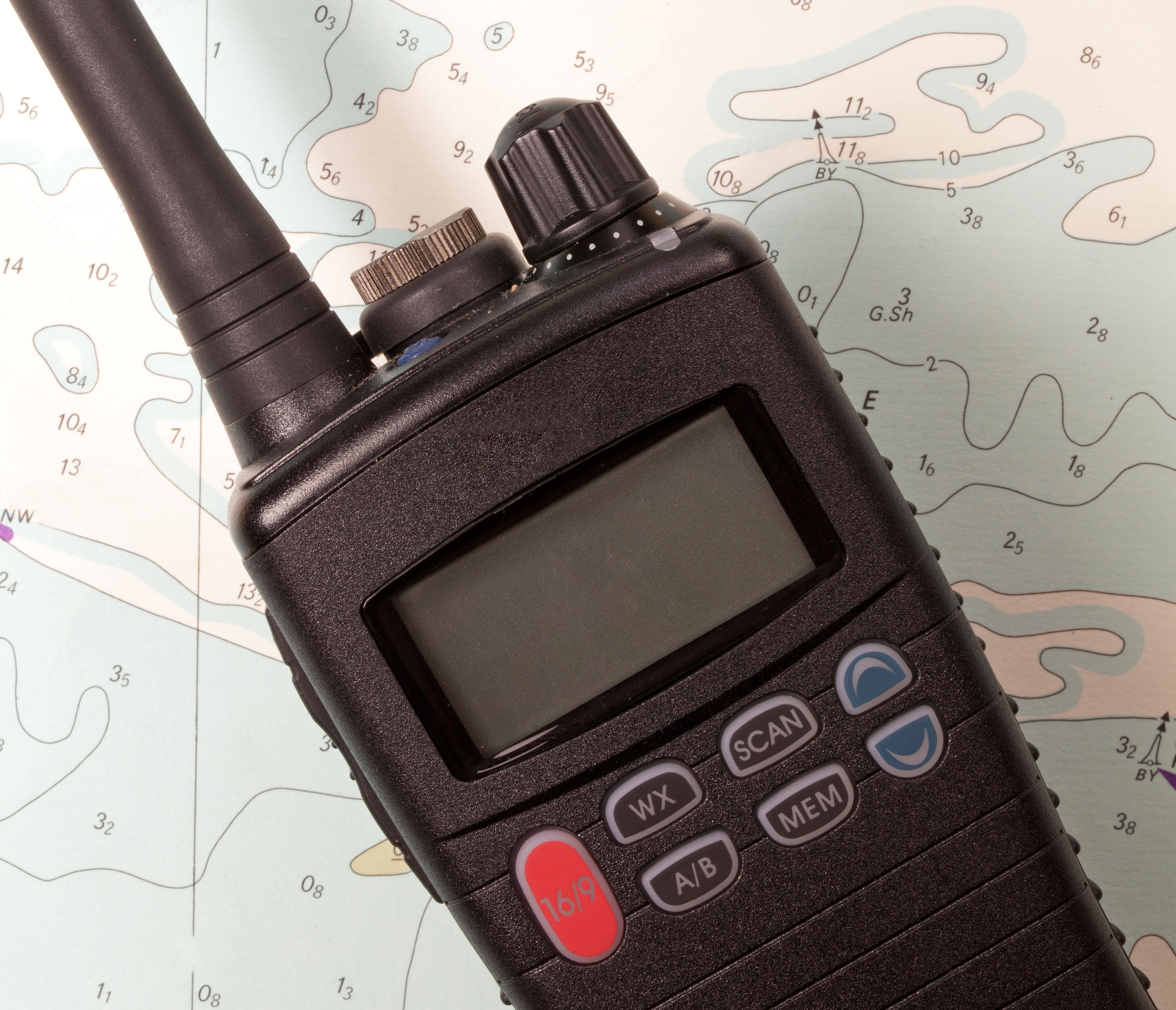 Use a VHF Radio in 8 Simple Steps
